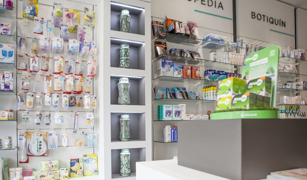 Farmacia Salanova - Reforma, Diseño y Mobiliario de Farmacias